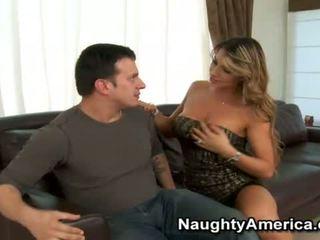 lielas krūtis, pornozvaigžņu