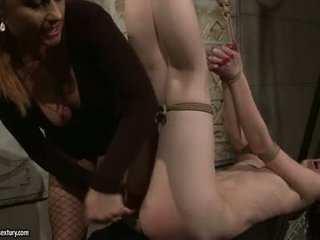 Katy borman fake pénis rabo drill dela fastened escrava