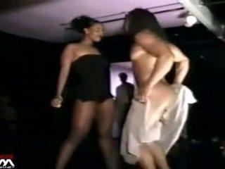 Schwarz frauen grope & stroke male stripper mystery