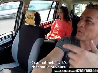 Cutest dospívající gets a volný taxi jízda