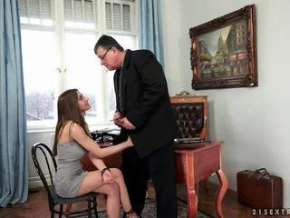 Unge sekretær fucks henne gammel sjef