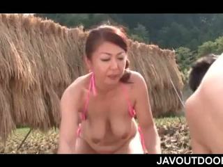 Japanese Mature Nympho Enjoying Teen Big Shaft Outdoor