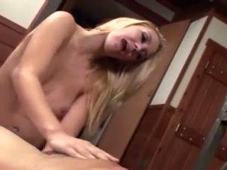 Annette schwarz - noskūtas blondīne facesitting uz a fencenet kaķenes tērps
