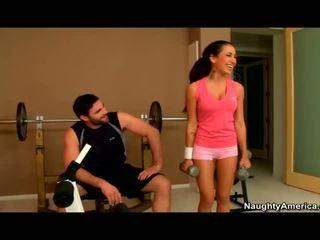 Amia miley banged v the tělocvična