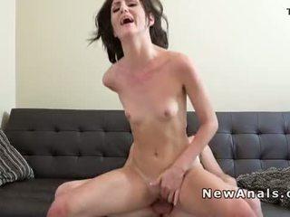 Flat chested vriendin anaal fucks
