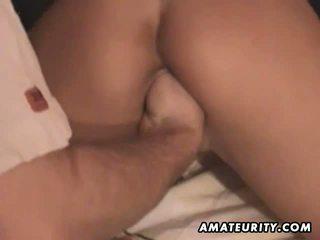 Amateur vriendin toying zuigen en vuistneuken