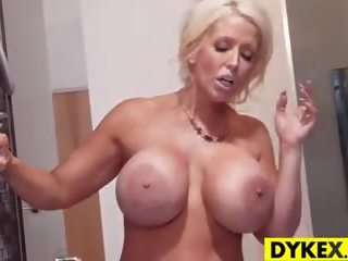 Istabene jenna ross gets netīras ar alura jensen: bezmaksas porno 2d