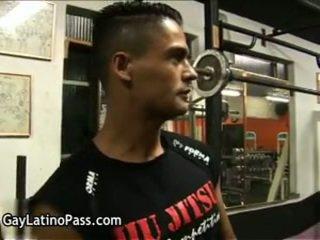Arnold ja luke hispanic homosexual fucks ja sucks kolme