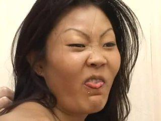 Lucy lee receives egy rendetlen arc creaming után kemény dp
