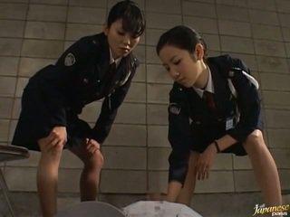Japán av modell -ban a void urine akció