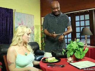 Alana evans anally demanding cliente