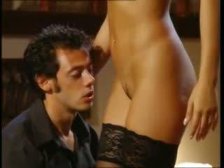 bruneta, výstřik, sex