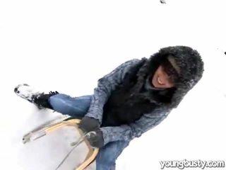 可爱 oustanding 胸部 内 该 snow