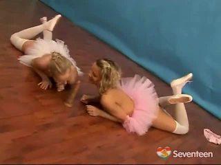 Lezzy ballet κορίτσια