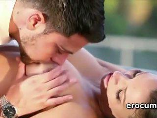Turned tovább pár having szenvedélyes szex tovább a