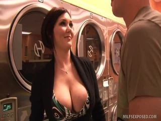 Insanely sexy babe claire dames rides dong til ze cums
