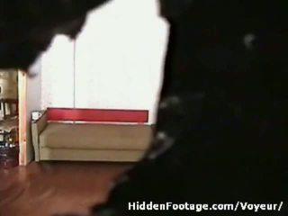 छिपा हुआ कॅम watches मैड being नॉटी