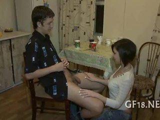 후 getting undressed