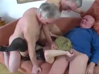 Noor tüdruk perses poolt a rühm kohta vana men, porno 61