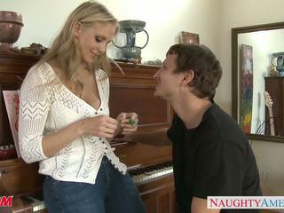 Betje eje in seksual jynsy julia ann gets nailed