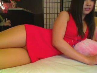 Gira asiática mostrando dela cu em webcam