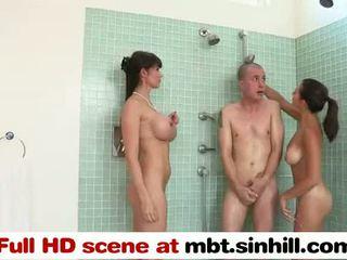 Grande tetta mamma teaches suo figlia a succhiare & cazzo - mbt.sinhill.com