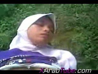 Recorded seksi tape kanssa kimainen hijab