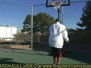 Hailey jovem amor & basquete