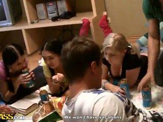 Thái lan và cô gái tóc vàng đồng tính nữ shag trong douche