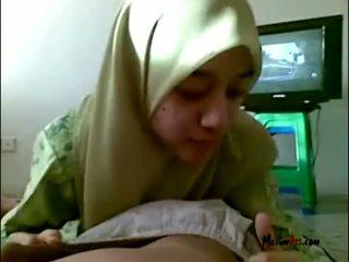 Hijab tiener zuigen ballen