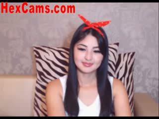 Caliente asiática webcam chica mini falda 2