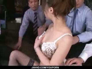 Aiko hirose gets follada por todo su oficina colleagues