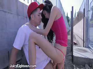 Zoey kush blows ho von doors