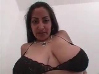 Saggy teta zorra gets follada