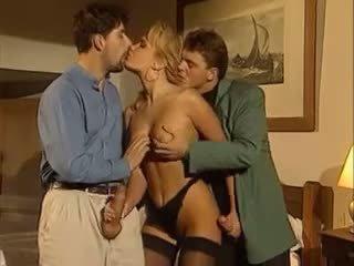 สามีซึ่งภรรยามีชู้, threesomes