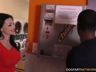 Aletta ocean does anál v the laundromat