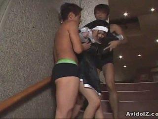 Ιαπωνικό μωρό αναγκαστική να πιπιλίζουν καβλί uncensored