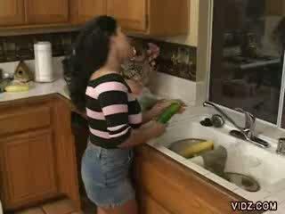 角质 妓女 jams vegetables 在 她的 紧 的阴户