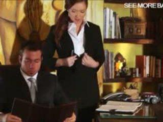 Slutty sekretárka maddy oreilly glamcore scéna na the stôl