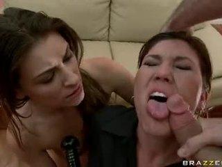 Claire dames acquires jos burna teased iki a monstrous weenie pasiruošęs į choke kad guyr gilus