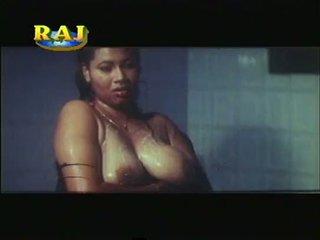 Mallu erotično prizori kompilacija [courtesy:http://spicymasalavideos.blogspot.com]