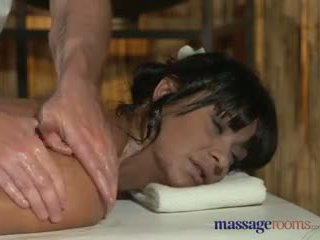 Massaž rooms filthy sik hungry betje eje gets the hard sikiş she craved video