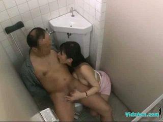 護士 同 毛茸茸 的陰戶 騎術 上 病人 公雞 吸吮 和 催人淚下 他的 公雞 在 該 toilette