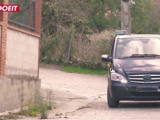 Letsdoeit - liels bumbulīši palaistuve pusaudze fucks fake taxi driver