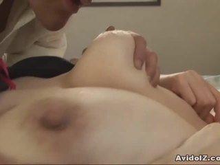 Japanilainen milf gets fingered ja perseestä uncensored