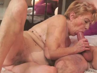 Ekscentriskas vecs vecmāmiņa malya loves liels loceklis <span class=duration>- 6 min</span>