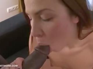 Реален порно кастинг pov прослушване за мадама хардкор между различни раси tryout майната
