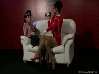 Bookworm Lesbian Gets Off