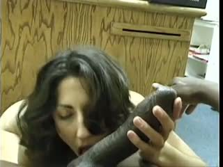 Asian-pakistani brunette sucks grand noir dravidian bite