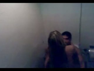 Argentinke par zasačeni fukanje v javno bathro